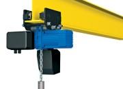 Wciągnik łańcuchowy PODEM serii CLN z ręcznym napędem jazdy.